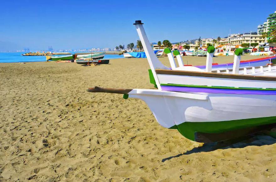 家庭适宜型海滩: 西班牙马拉加埃尔帕洛 (El Palo) 海滩.jpeg