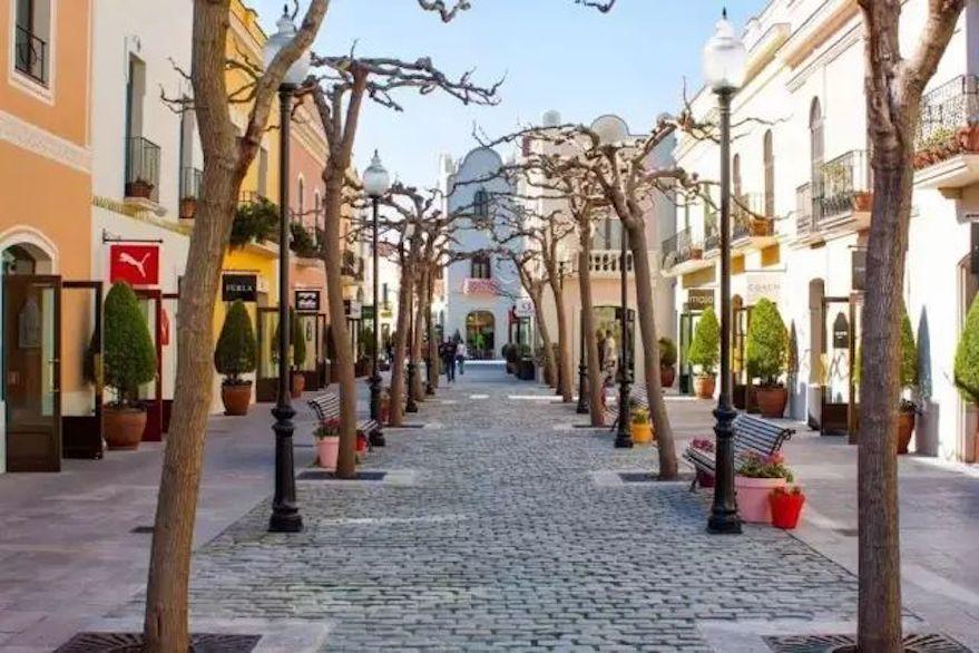 巴塞罗那  La Rocas Village1.jpeg