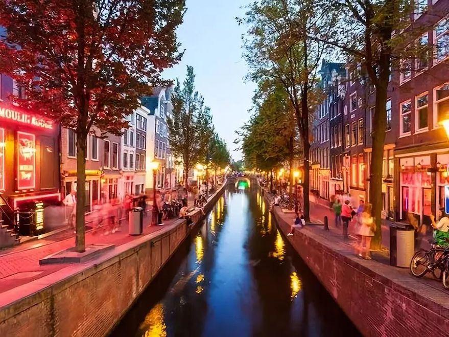 阿姆斯特丹红灯区.jpeg